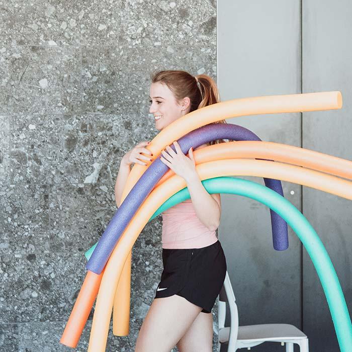 Aquafitness ist Fitness mit Schwimmnudel